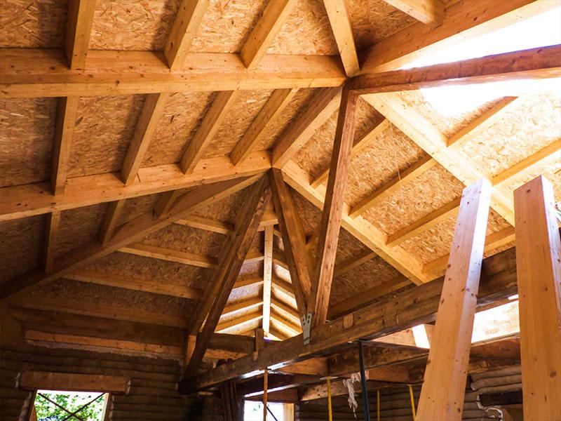 Cubierta de madera y aislamiento natural