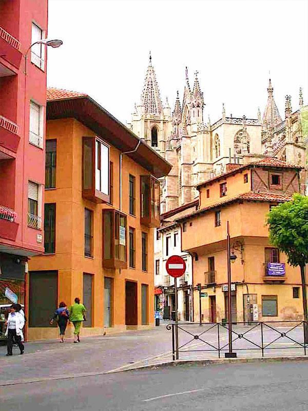 Bloque de viviendas en León