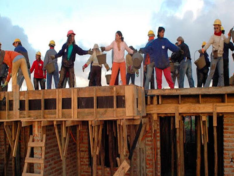 Cooperativas de vivienda por ayuda mutua.